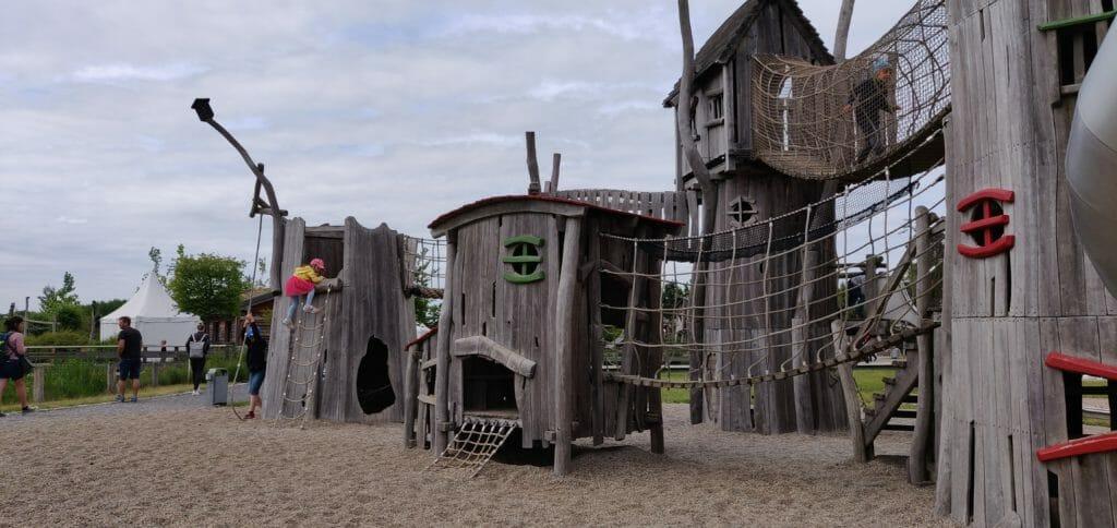 Kletterburg zum erstürmen der Piraten-Insel